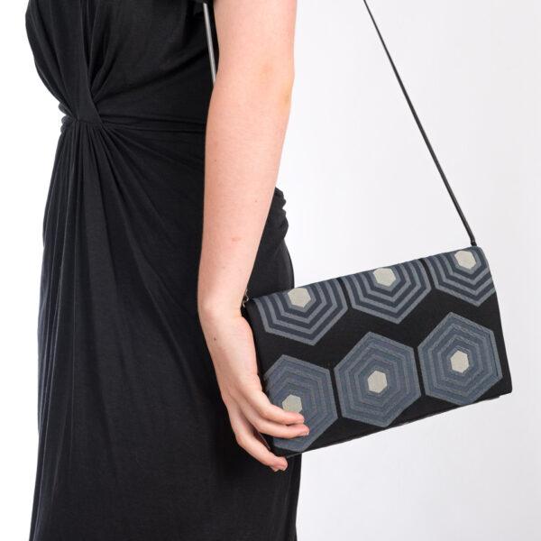 Pochette Harmonie bleue et sa chaine noir